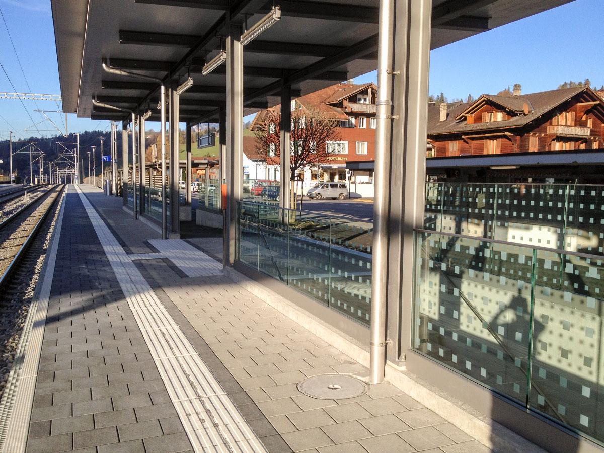 CREALINE GG-1005 - Glass railing & Windscreen BLS Oberdiessbach