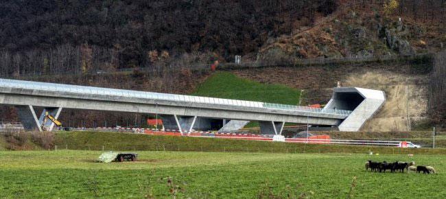 CREATIVITY - Noise barrier - AlpTransit Gotthard