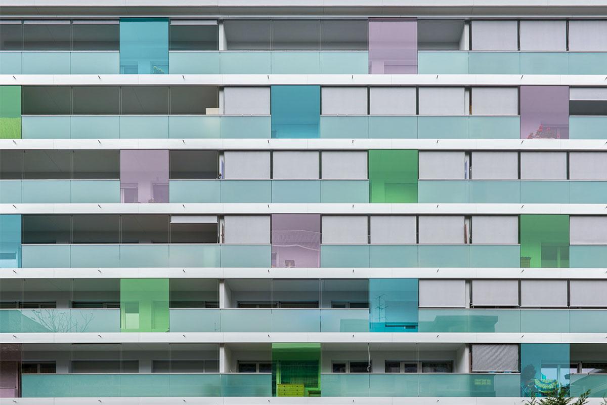 CREA-GLASS Films de couleur - RGE Immeuble aux Charmilles – Rue d`Aubin Genève
