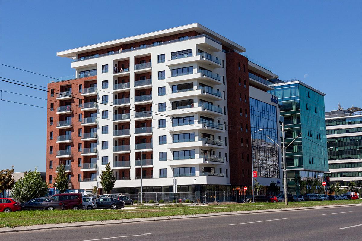 CREALINE GG-1005 & CREA-POINT GT50 - Square 43 Belgrad